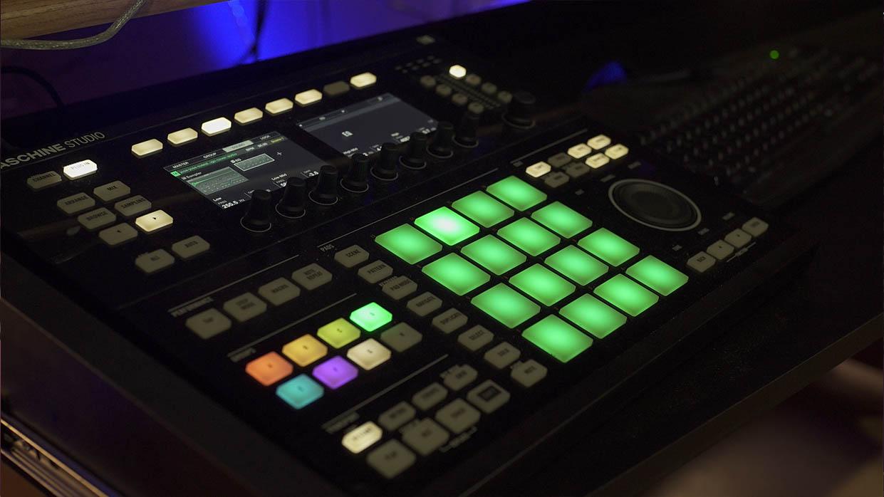 Intrumentales a medida de rap , trap , drill , lo-fi , hip hop , electrónica , rock y pop.