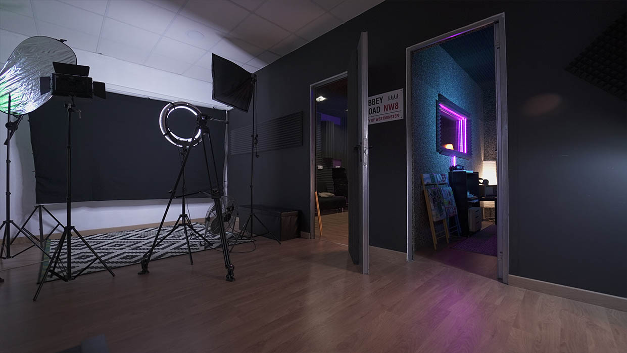 Chroma en Sevilla, estudio con cámaras de fotografía profesional.