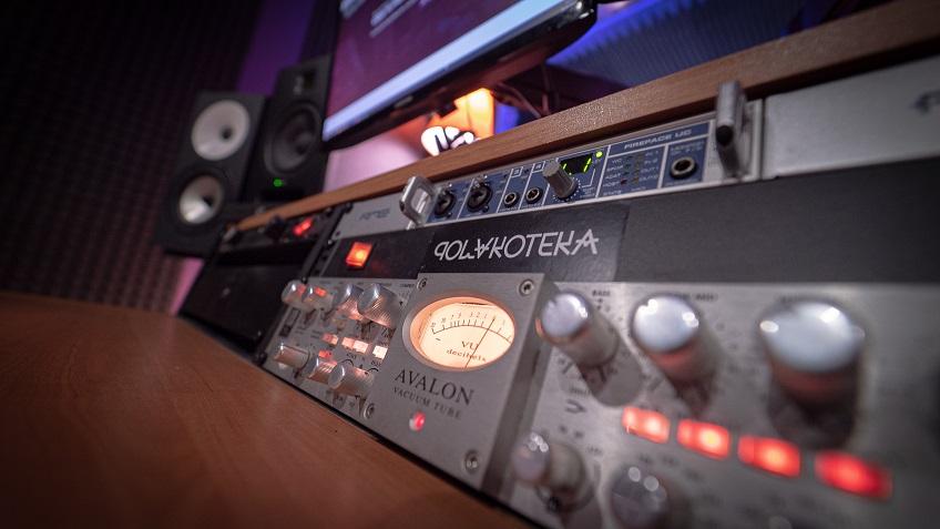 Videoclips musicales , zona de chroma , grabación, edición y mastering